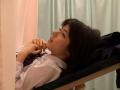 産婦人科エロ検診!まんこをイジくり回されているJKの抑制 する表情!!!