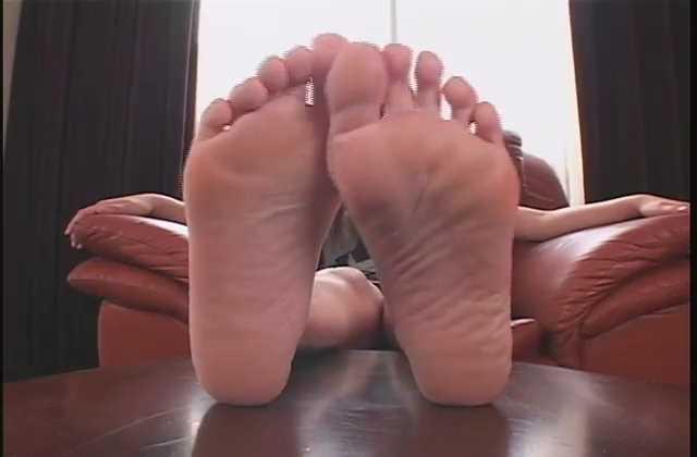 爆乳のJKが豊満なおっぱいでパイズリするセックス動画
