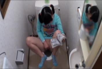 ロリ顔な美しい乳美10代小娘が帰宅早々トイレに籠り、テマンおなにーに喘ぐ姿を秘密撮影しちゃいました☆